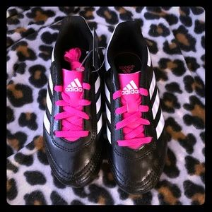 Adidas girls size 11.5 pink and black cleats NEW